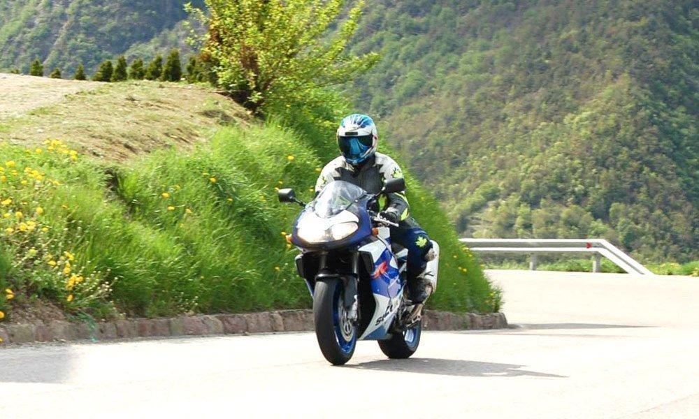 Bikerurlaub in Südtirol - Fahrspaß auf kurvenreichen Gebirgsstraßen