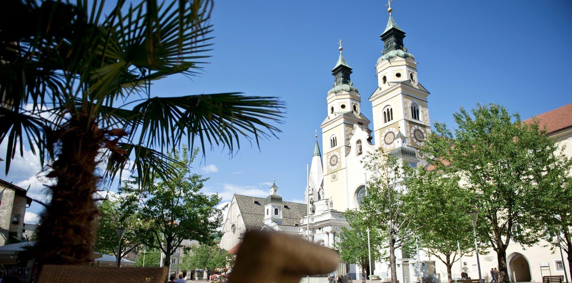 ferienregion-gitschberg-jochtal-brixner-dom-domplatz