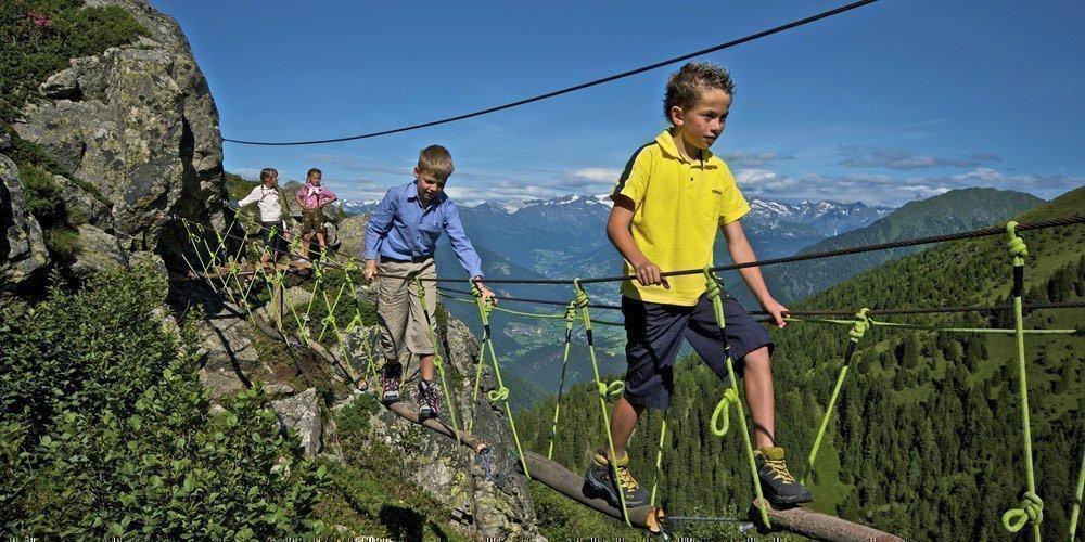 Krixly Kraxly Klettergarten – Kinder-Kletterkurs mit der Almencard