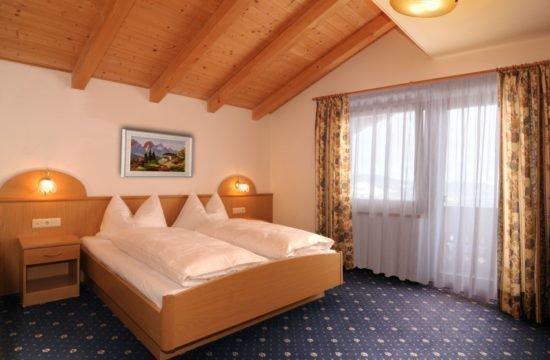 pensione-sonnenhof-maranza-stanza-degli-ospiti(1)