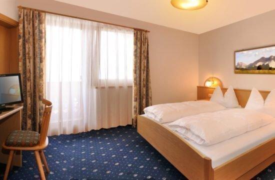 pensione-sonnenhof-maranza-stanza-degli-ospiti (2)