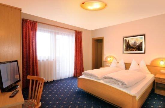 pensione-sonnenhof-maranza-stanza-degli-ospiti (4)
